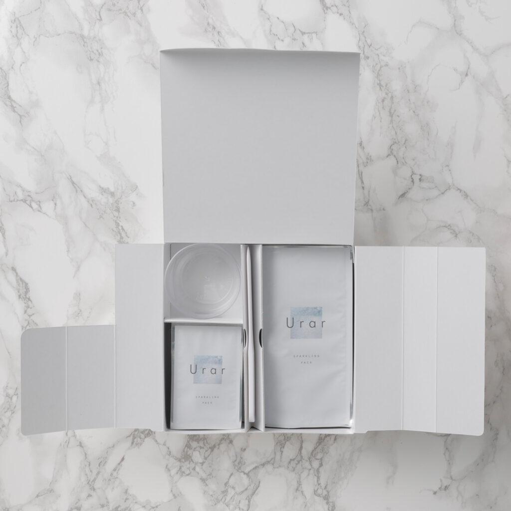 ユレイル-スパークリングパックの梱包箱を開封した画像